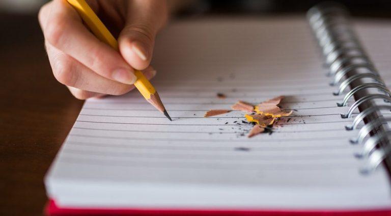 Scrierea expresivă și efectele asupra sănătății fizice și emoționale