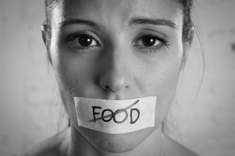 Anorexia și bulimia – care sunt semnele și ce putem face