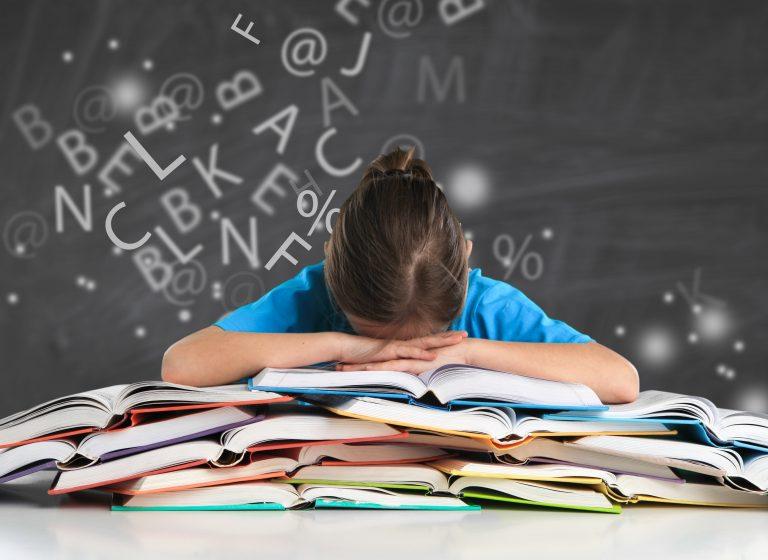 Dislexia – manifestări, cauze și recuperare