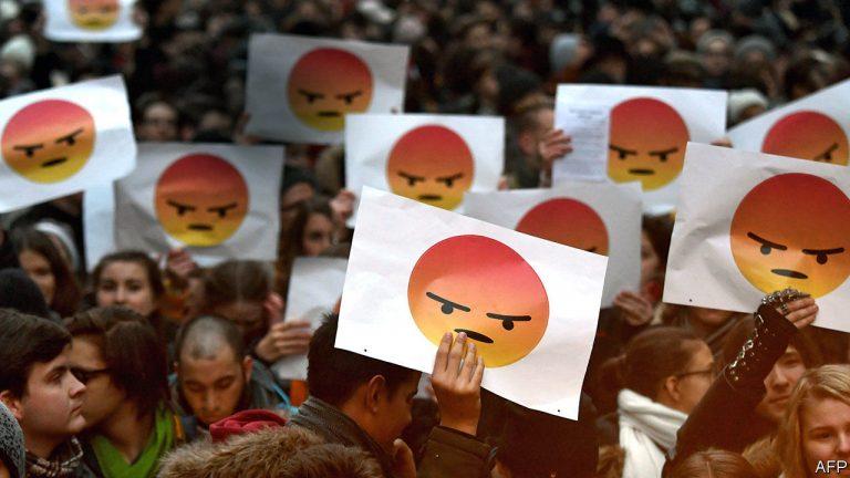Emoții colective – ce sunt, cum apar, cum diferă de emoțiile individuale