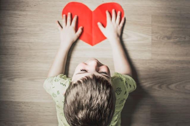 Autism: dificultăți și metode de dezvoltare a abilităților de comunicare