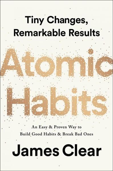 """""""Atomic Habits"""" de James Clear (recenzie)"""